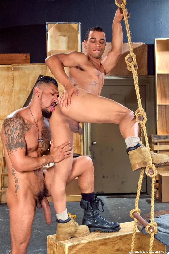 Raging-Stallion-Boomer-Banks-and-Trelino-Huge-Uncut-Cock-Fucking-A-Black-Ass-Amateur-Gay-Porn-06 Young Black Guy Takes Boomer Banks Huge Uncut Cock Up The Butt