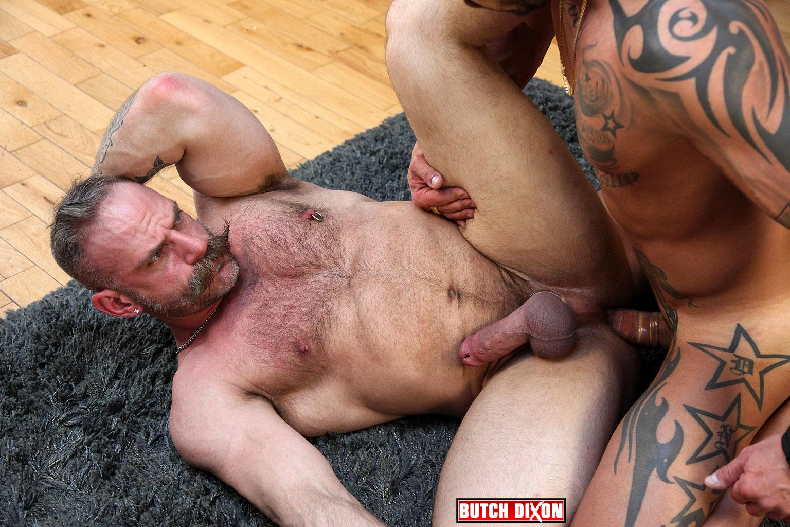 Gay xxx taking the manstick pump off of 3