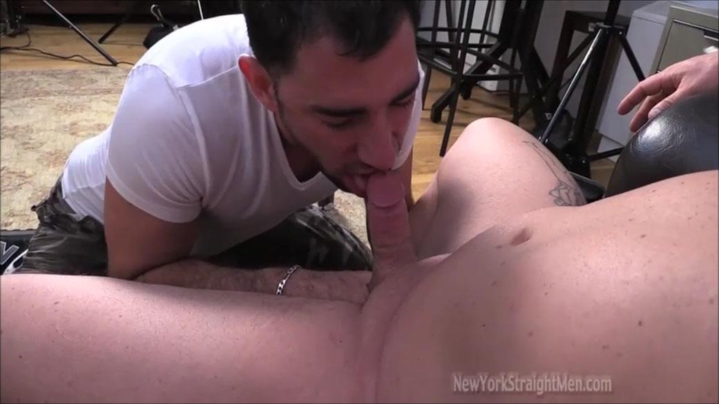 New-York-Straightmen-Magnus-Straight-Chubby-Bodybuilder-Getting-Gay-Blowjob-Amateur-Gay-Porn-11 Straight Chubby Bodybuilder Magnus Gets A Blowjob From A Gay Guy