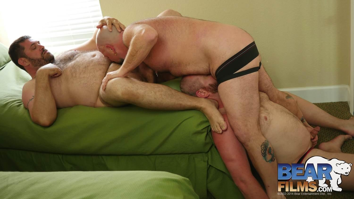 Bear-Films-Andrew-Mason-and-Chef-Bear-and-Sid-Morgan-Chubby-Bears-Threeway-Bareback-BBBH-Amateur-Gay-Porn-08 Chubby Bear Boyfriends Hookup With Another Bareback Chub