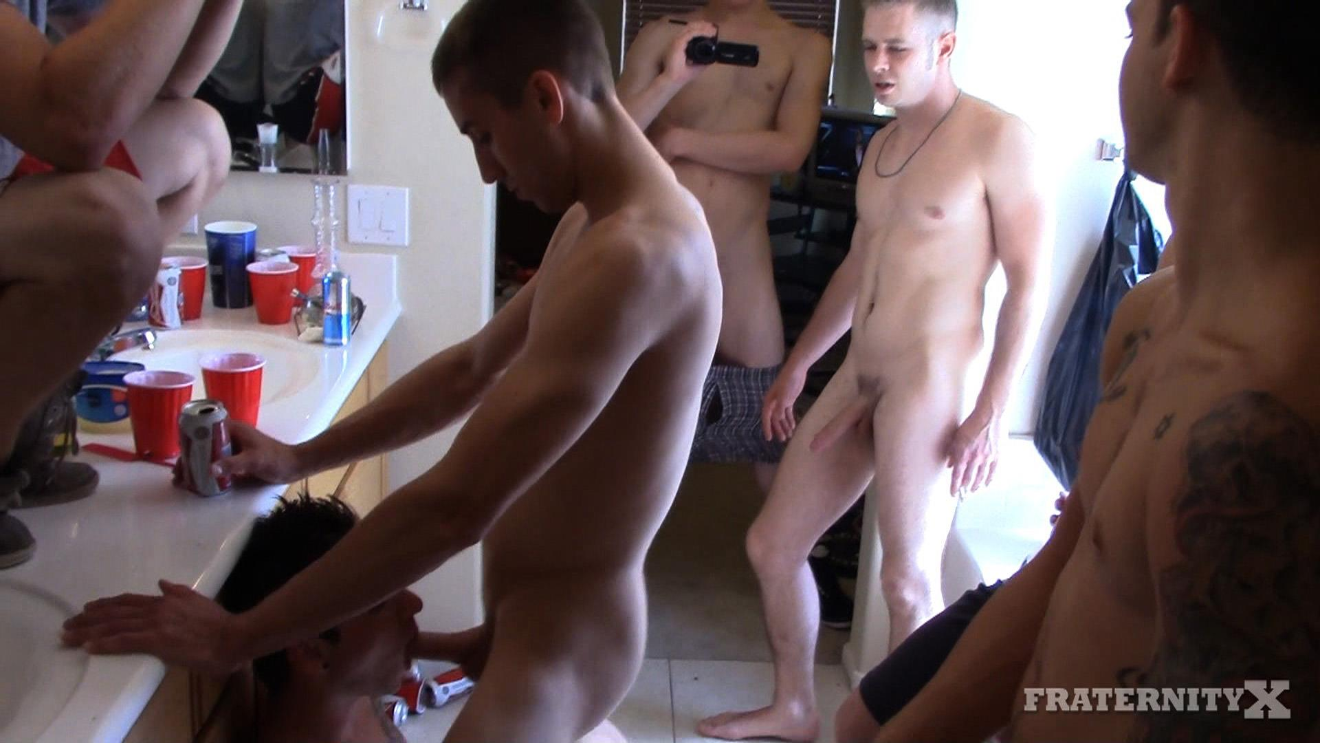 Fraternity-X-Frenchie-Frat-Guys-Bareback-Gang-Bang-In-The-Shower-Amateur-Gay-Porn-15 Real Fraternity Boys Barebacking In The Frat Shower