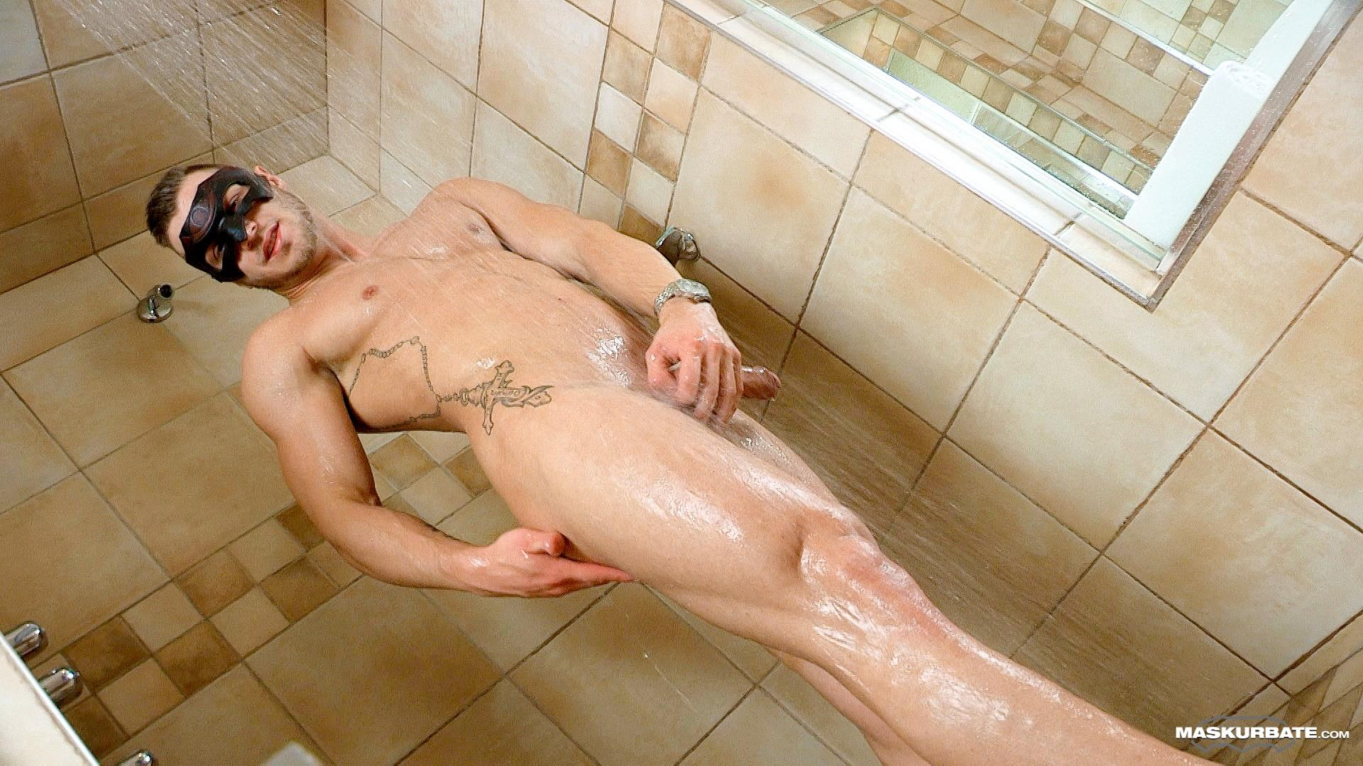 Maskurbate-Mike-Muscle-Hunk-With-A-Big-Uncut-Cock-Jerking-Off-Amateur-Gay-Porn-15 Bi-Curious Muscle Hunk With A Big Uncut Cock Auditions For Gay Porn