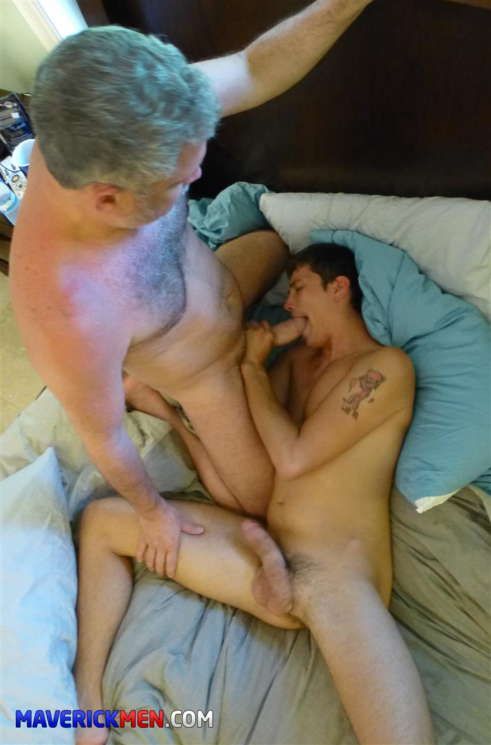 The Maverick Men Drake Amateur Bareback Daddy Threeway Amateur Gay Porn 28 The Maverick Men Take Turns Barebacking Young Drakes Ass