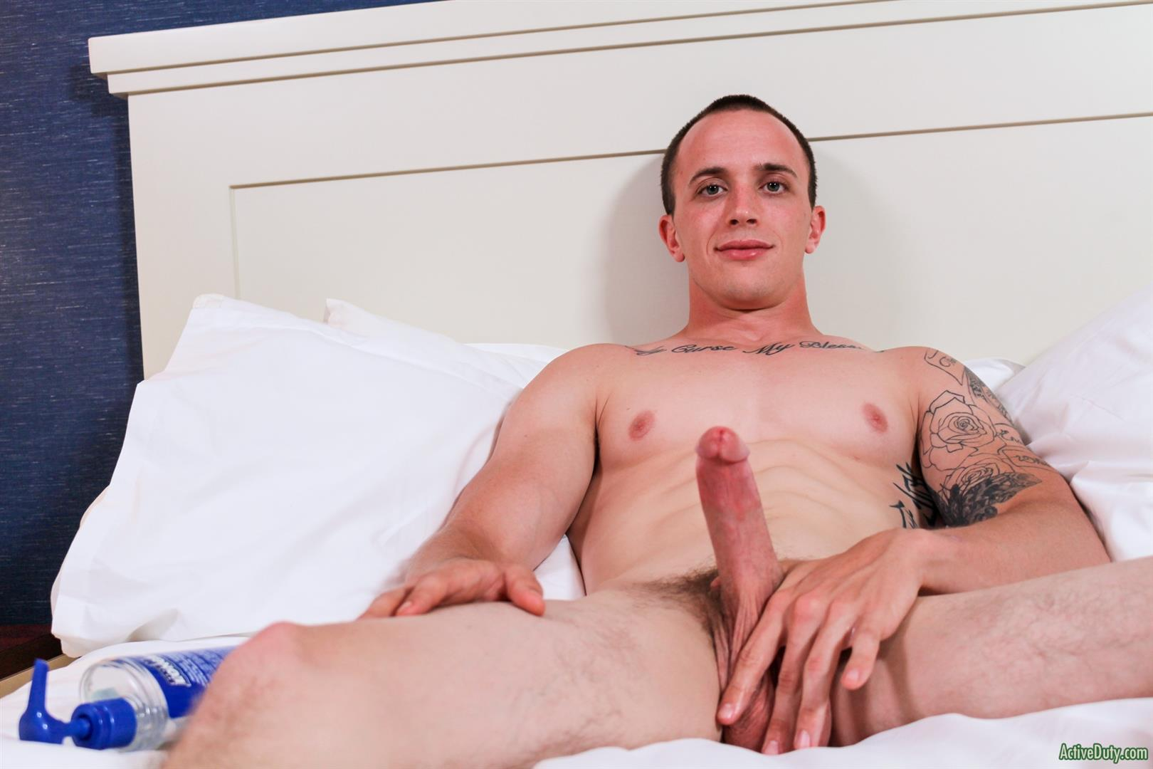 Active Duty James Straight Army Guy Jerking Off His Big Cock Amateur Gay Porn 10 Tatted Straight Army Hunk Auditions For Gay Porn and Shoots A Big Load