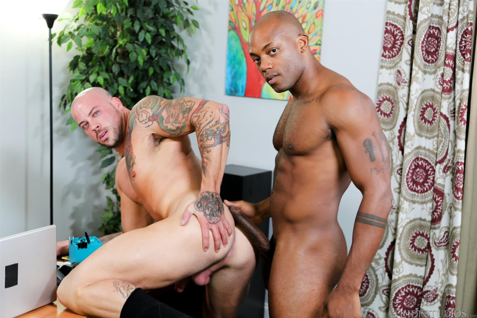 Sean Duran and Osiris Blade Extra Big Dicks Black Cock Interracial Amateur Gay Porn 12 White Muscle Hunk Takes A Big Black Cock Up The Ass During A Job Interview