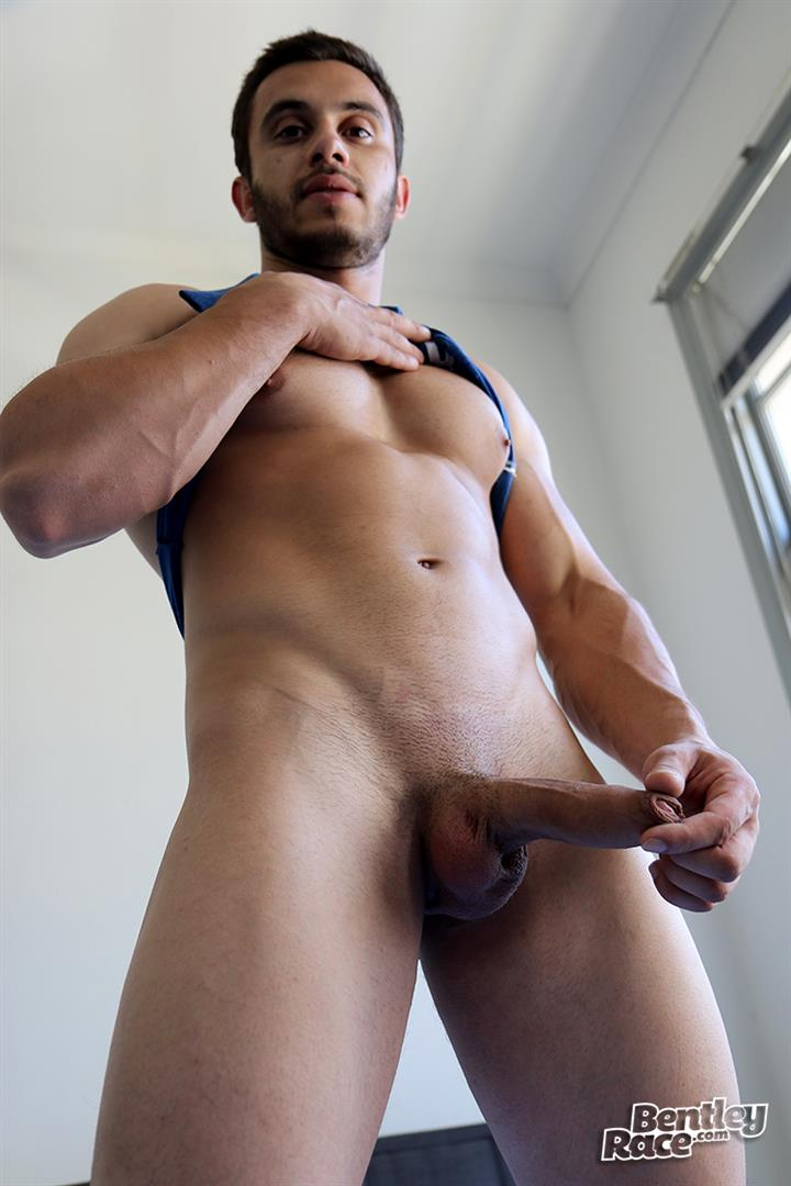 Bentley-Race-James-Nowak-Beefy-Straight-Muscle-Hunk-Jerks-His-Big-Uncut-Cock-Amateur-Gay-Porn-10 Straight Australian Beefy Muscular Guy Strokes His Thick Uncut Cock